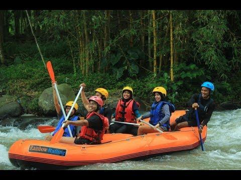 Seru Arung Jeram Randudongkal Di Kaki Gunung Slamet Rainbow Rafting Youtube