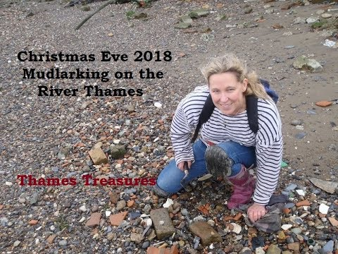 Mudlarking In London - Ultra Low Tide - Christmas Eve 2018