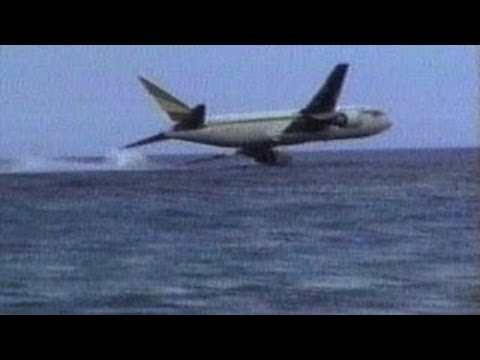 Tourist Films Malaysia Airlines Plane Crash Into Vietnam Sea Cellphone VIDEO MH370 Missing Crash