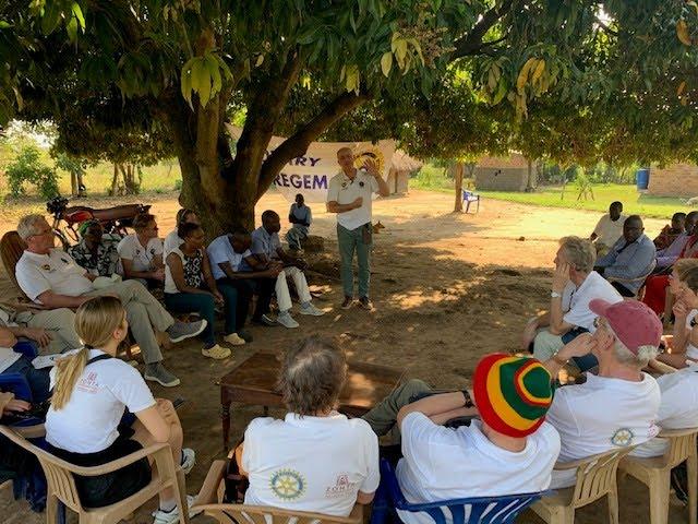 Rotary Waregem verlengt steun aan Oegandees bijenproject - WRGM1