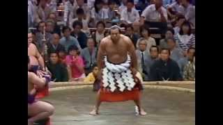 横綱千代の富士土俵入り(昭和60年夏場所初日)