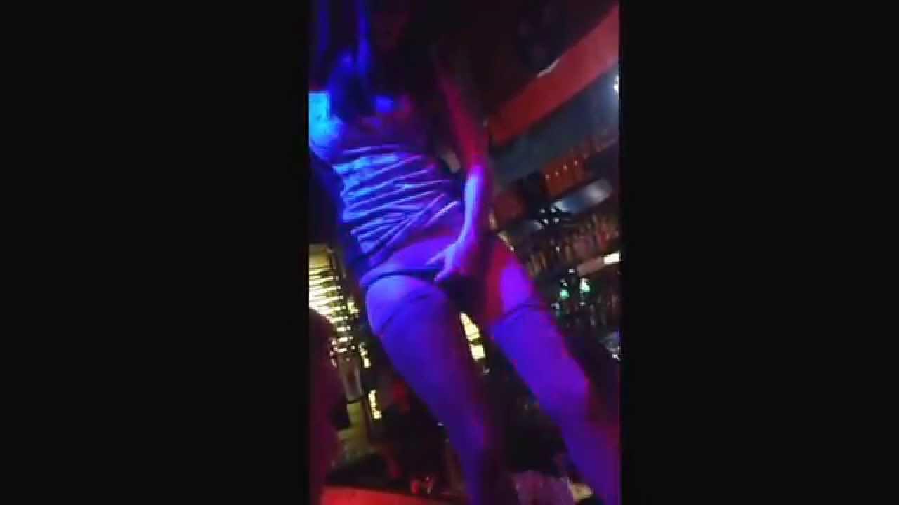 Кружевные трусики на показе в клубах видео