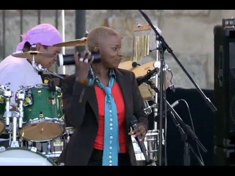 Angelique Kidjo - Agolo - 8/13/2006 - Newport Jazz Festival (Official)