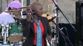 Angelique Kidjo - Agolo - 8/13/2006 - Newport Jazz Festival (Official)