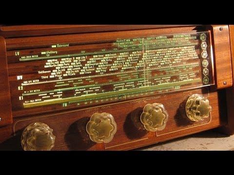 Luxor Sopran 797W by Night - An unusual old tube radio