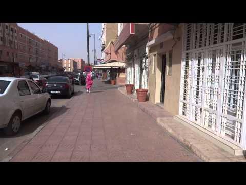 """Western Sahara: """"Busy"""" Street of Laayoune (EL Aaiun) 西サハラ:ラユーンの「繁華街」"""