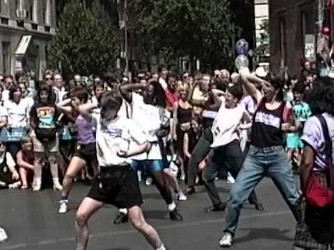 A standard 1990s lesbian sex scene 9 5 2009 7