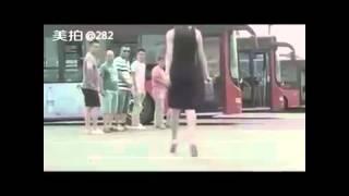 Desakan di bus