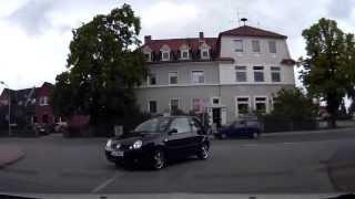 Glück gehabt, Auto schneidet Kurve / Sono fortunato