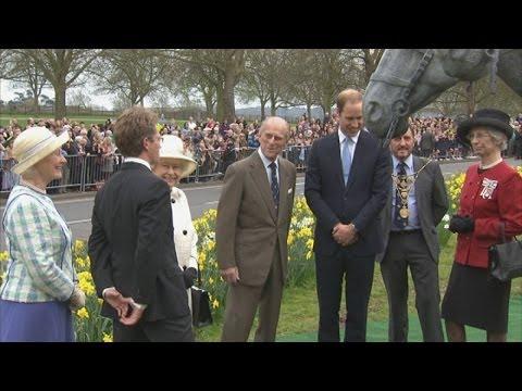 The Queen, Prince Philip and William unveil bronze horses in Windsor
