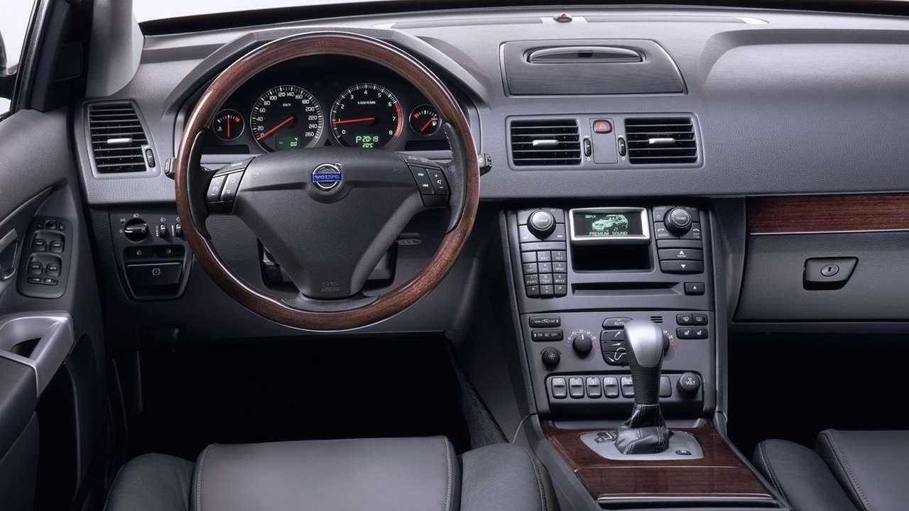 #4180. Volvo XC90 2003 (потрясающее видео)