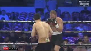 Третий победный бой Данияра Елеусинова на профи-ринге