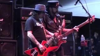 Motorhead - Overkill (Riot Fest Chicago 9-11-15)