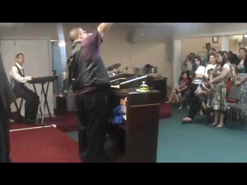 Predicando Evang. Hector Delgado Tema:...