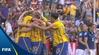 Fantastic late winner lifts Swedes to third