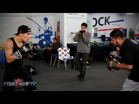 Oscar Valdez's FULL Boxing Workout video - Mitts & Bag - Valdez vs. Osawa