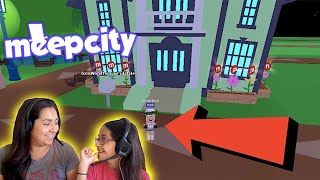 TEACHING MY MOM HOW TO PLAY MEEPCITY! ROBLOX | FAMBAM GAMING | MEEPCITY