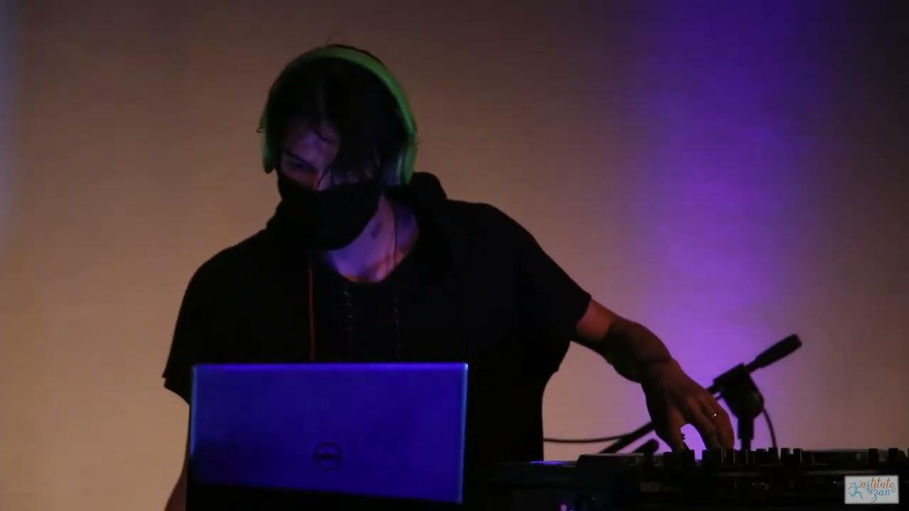 DJ Kiffox