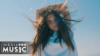 Смотреть клип Alessiah - Love Me