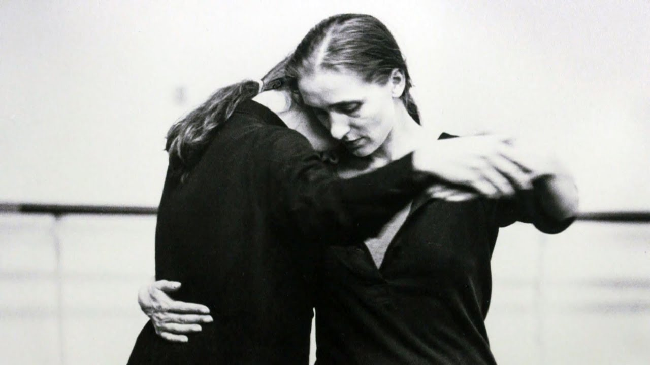 """an homage of pina bausch Billed as """"the world's first 3-d arthouse film"""", wim wenders' tribute to the late german choreographer pina bausch proves that 3-d and contemporary dance."""
