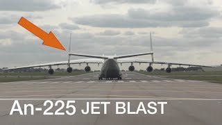 Worlds Biggest Aircraft Antonov AN225 Shaking her Tail before takeoff