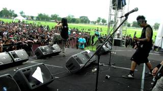 Gambar cover MAWAR BERDURI LIVE@HELLPRINT UNITED DAY 11DES 2011 -SABILULUNGAN.MOV
