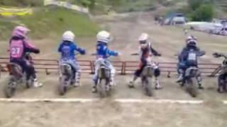 Motocross - Menino Aguniado pra correr! (Crazy boy to start race!)