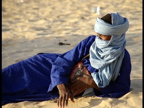 Tuareg singing, Sahara desert, Morocco, North Africa, Africa