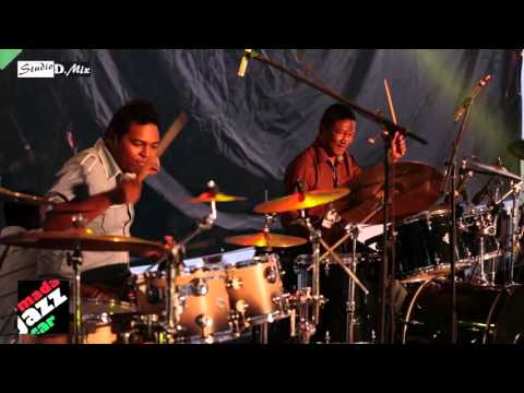 "Frank Raholison feat Bolo Rakoto David & Eric Tagg ""Fiesta in drums"" (Madajazzcar 2015)"