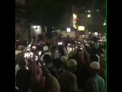 Detik-Detik Kedatangan Ustadz Abdul Somad Disambut Oleh Jutaan Umat Islam Di Bali. Allahu Akbar !!