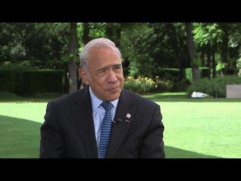 Ο Άνχελ Γκουρία στο Euronews - global conversation