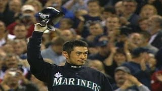Ichiro breaks the single-season hit record in 2004