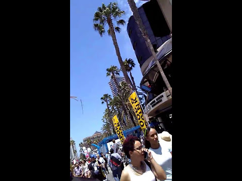 Cops violate first amendment rights at san diego comic con 2017