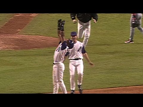 2001 NLDS Gm5: Womack sends D-backs to NLCS