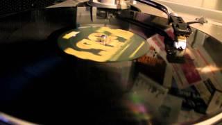 Deep House : Rick Wade - Kemeticjust Feat Terrance Downs