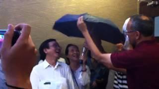 Nhạc sĩ Hải Triều và OCP umbrella :)