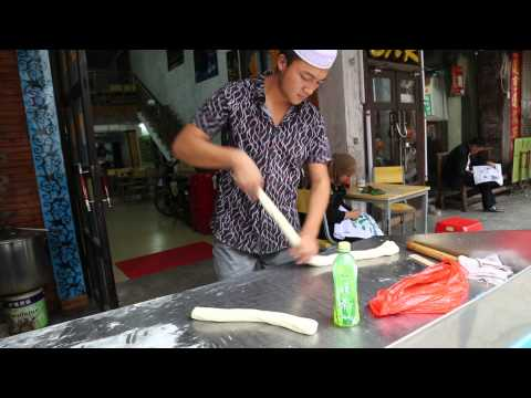 Delicious hand pulled noodles in Beihai, Guangxi, China (old town)