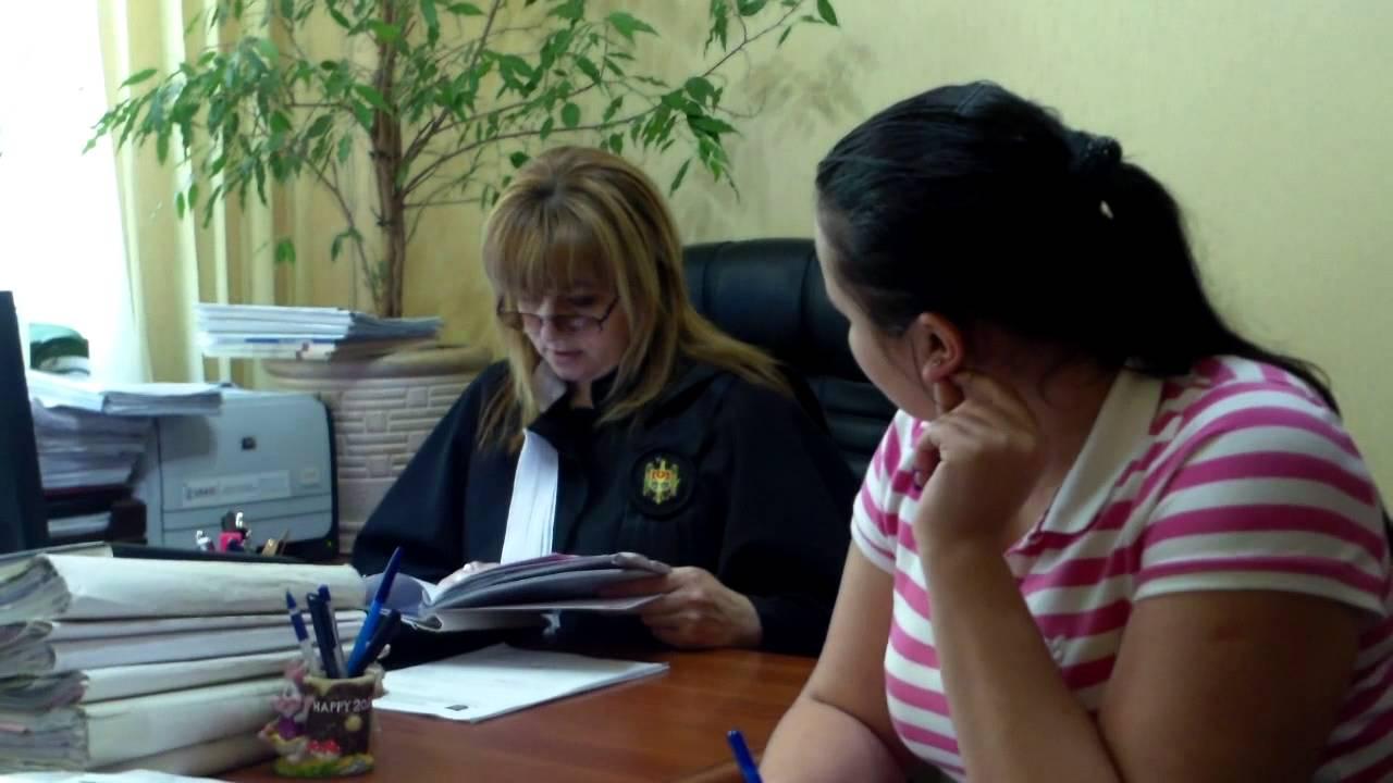 Domnica Cemortan a venit cu avocat, polițistul fară uniformă