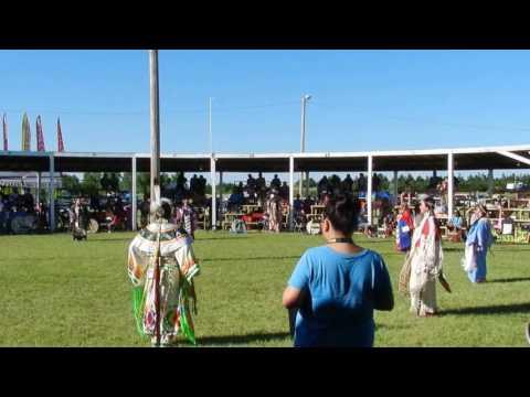 Womens Traditional@Rosebud Casino Powwow 2016