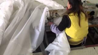 Speciální průmyslový šicí stroj s klikatým stehem (cik-cak) pro plachet