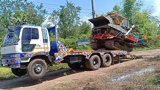 รถเกี่ยวนวดข้าว-ศักดิ์พัฒนา-ขึ้นเทรลเลอร์,sakpattana-combine-harvester