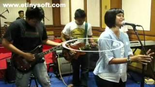 Vertical Band Katakanlah