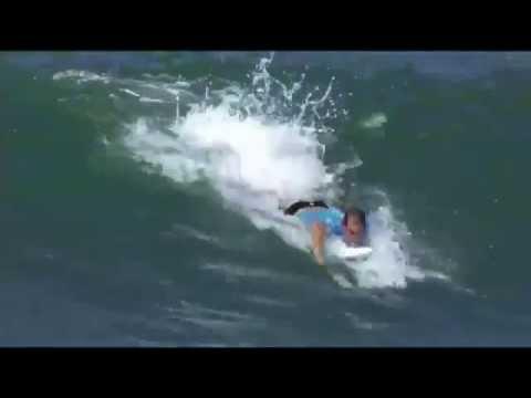 Joel Parkinson nails a perfect 20 at surfing's Oakley Pro Bali