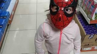 Örümcek Adam Markete Gelmiş Marketten Ne Aldı?
