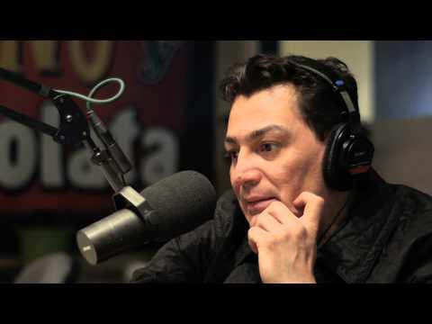 Jose Manuel Figueroa canta en ingles y habla de la muerte de su hermano