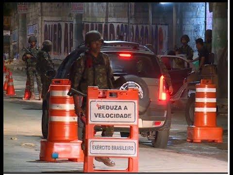Militares realizam primeira grande operação no Rio desde intervenção | SBT Brasil (20/02/18)