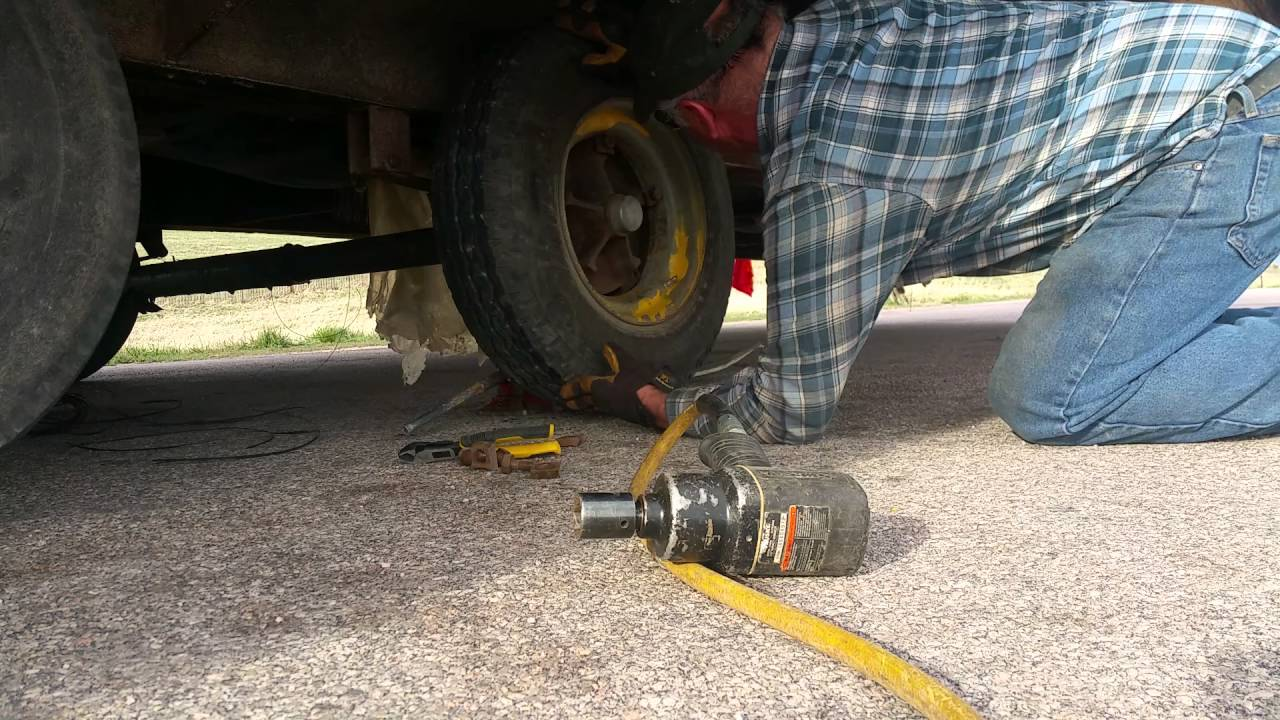 Changing mobile home tire youtube - Vintage look mobel ...