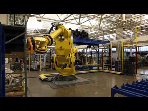 Heavy Duty Robotic Truck Unload System Offloads Large Automotive Modules