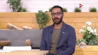 أحمد فهمي يروي تفاصيل زواجه من منة حسين فهمي .. في ست الحسن