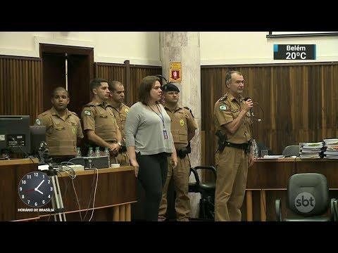 Júri absolve 12 PMs acusados de formar grupo de extermínio no Paraná | SBT Notícias (11/10/17)